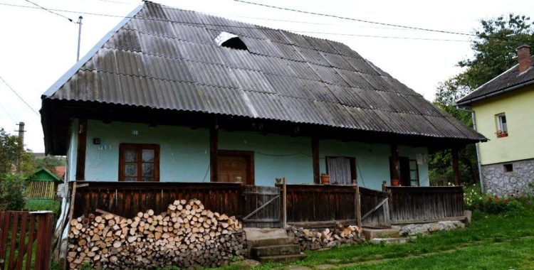 Case vechi peste 60 mp